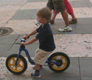 ילד ואופניים - טיפול זוגי